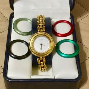 GUCCI 1100-L INTERCHANGEABLE BEZEL WATCH
